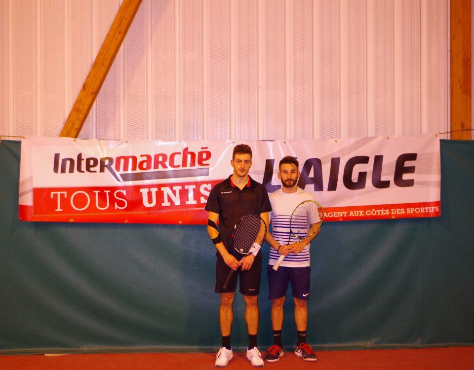 Les finalistes (de gauche à droite) : Tony BRIARD (Lisieux ;3/6) ; Gautier BOUTEL (Evreux ALM ; 4/6)